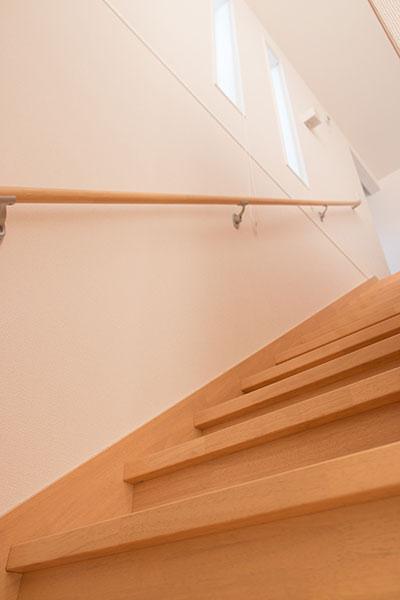 階段に設置した窓